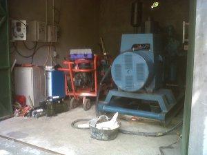 Mesin penyalur air dari Song / Luweng Pego menuju ke tempat-tempat yang dibutuhkan melalui selang-selang.
